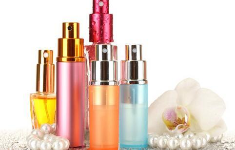 千件假香奈儿被查 如何辨别真假化妆品 化妆品的辨别方法