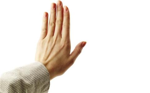 手指甲凹凸不平是怎么回事 手指甲凹凸不平怎么办 怎么从指甲看健康