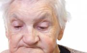 老人镶牙时如何选择 镶牙要注意3大事项