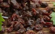 老年人可以吃葡萄干吗 吃葡萄干的好处