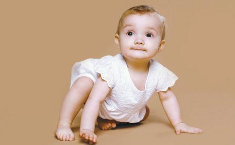 爬行对宝宝的重要性 爬行对宝宝有哪些好处 爬行的好处是什么