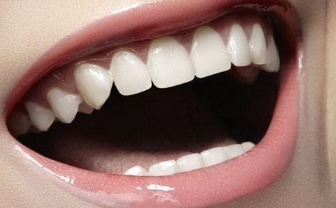 烤瓷牙的危害是什么 做烤瓷牙好吗 烤瓷牙对人体有没有害处