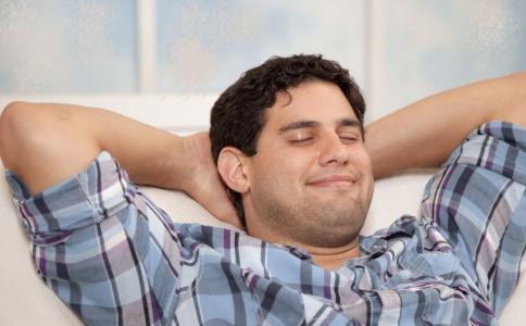 单纯性节食减肥有哪些危害 单纯性节食的危害有哪些 440斤男子摔倒20人无法扶起