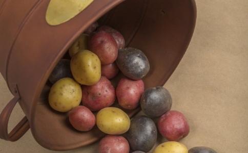 自制减肥沙拉的方法有哪些 如何自制减肥沙拉 自制土豆沙拉的方法