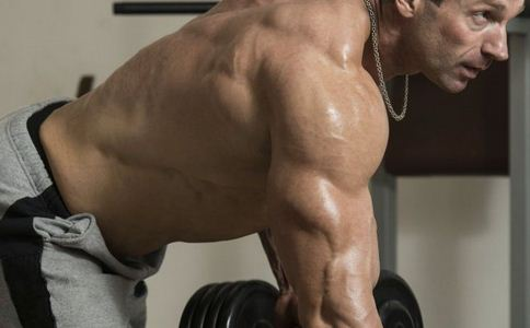 男人如何锻炼背部肌肉 男人锻炼背部肌肉的方有哪些 男人要怎么练背部肌肉