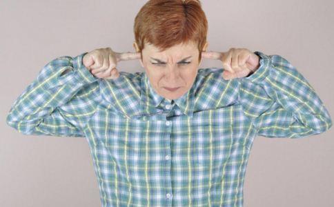 长期耳鸣的危害有哪些 长期耳鸣会怎么样 怎么缓解耳鸣