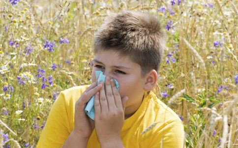 治疗过敏性鼻炎的方法有哪些 如何治疗过敏性鼻炎 过敏性鼻炎的症状有哪些