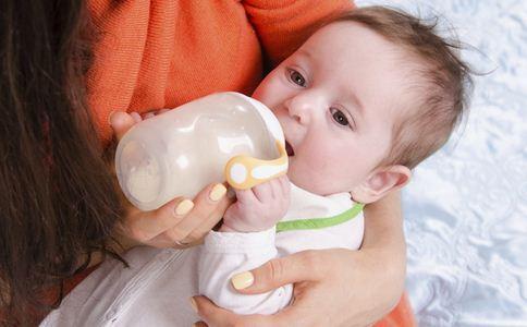宝宝突然不爱喝奶了怎么办 宝宝不喝奶的原因是什么 宝宝为什么会厌奶