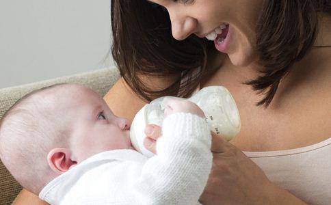 怎样喂夜奶更省力 轻松喂夜奶的方法有哪些 如何给宝宝戒掉夜奶
