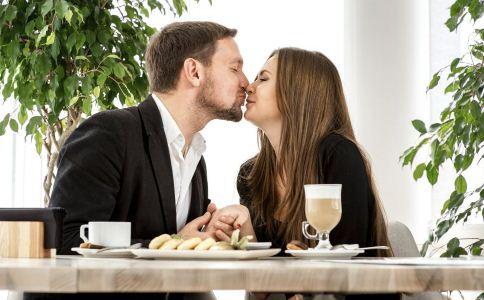 接吻对女人的好处 女人讨厌哪种接吻方式 女人接吻有什么好处