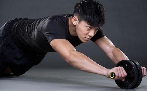 健腹轮能练出腹肌吗 健腹轮如何练出腹肌 健腹轮练腹肌的方法有哪些