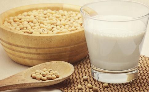 经期吃哪些食物好 吃什么能缓解痛经 乳房胀痛吃什么好