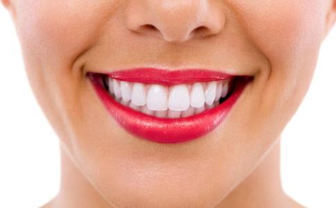 如何美白牙齿 美白牙齿吃什么好 美白牙齿的方法