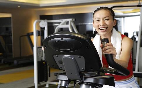 在跑步机上走路可以减肥吗 跑步机减肥注意事项 跑步机减肥的正确方法