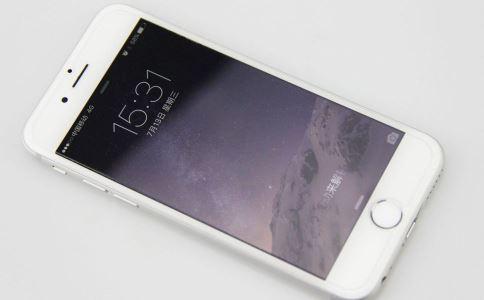 使用手机有什么危害 如何使用手机 手机放在哪里危害大