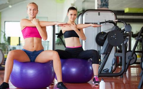 如何用瑜伽球减肥 瑜伽如何养生 练什么瑜伽可以养生减肥