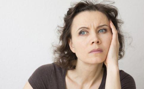 女性更年期有什么表现 更年期吃什么 更年期的表现有哪些