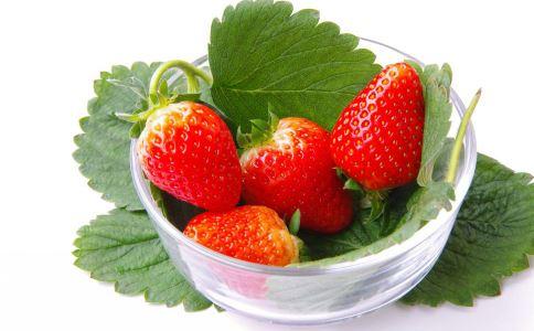 宝宝能吃草莓吗 宝宝可以吃草莓吗 宝宝吃草莓