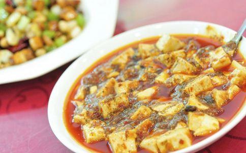 肥肠有什么营养价值 豆腐有哪些功效 肥肠炖豆腐有哪些做法