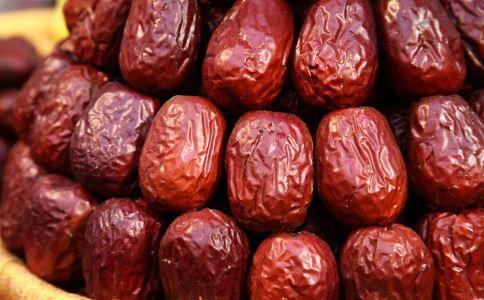 孕妇一天能吃多少红枣 孕妇可以吃红枣吗 孕妇每天吃多少红枣