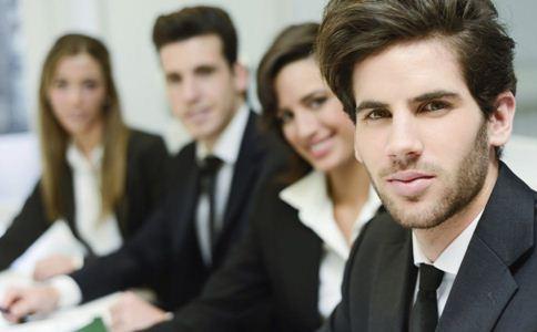和同事闹矛盾怎么处理 如何与同事和睦相处 怎么处理与同事的矛盾