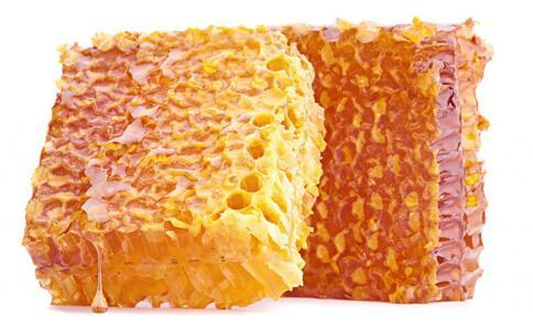 春季喝蜂王浆的好处 春季喝蜂王浆好吗 吃蜂王浆会长胖吗