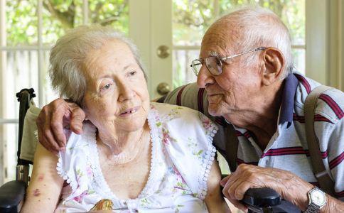 老人如何预防老年痴呆症 预防老年痴呆症的方法 患老年痴呆症吃什么好