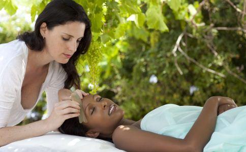 女人如何紧致肌肤 紧致肌肤的窍门 女人保养肌肤的方法