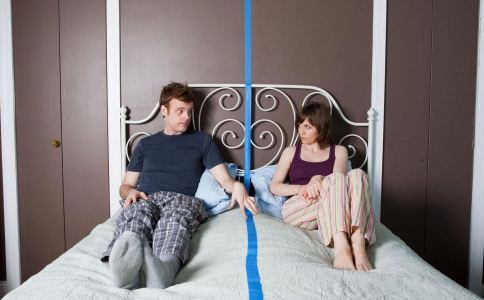 前男友想复合的表现 男友想分手的表现 如何判断前男友是否想复合