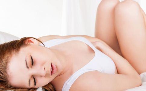 女人为什么会发生痛经 女人如何预防痛经 什么原因导致女性痛经