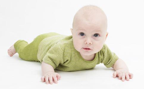 如何训练宝宝爬行 如何训练婴儿爬行 宝宝爬行训练