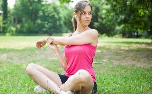 女人健身美体要做什么运动 女人健身美体可以吃什么 女人健身美体的运动有哪些