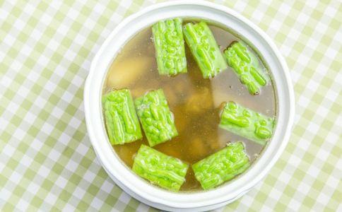 如何做排骨汤 怎样做美味的排骨汤 排骨汤的做法有哪些