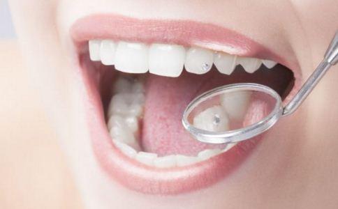牙齿预示哪些身体疾病 为什么牙黄是健康 牙齿矫正的方法