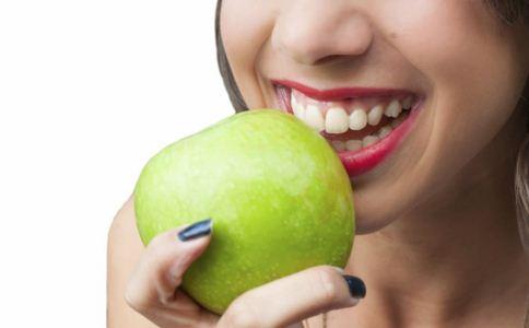 牙黄变白的简单方法 牙齿黄了怎么变白 牙齿黄是什么原因