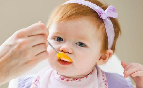 宝宝可以吃罐头食品吗 如何选购适合宝宝的罐头食品 宝宝辅食可以添加罐头食品吗