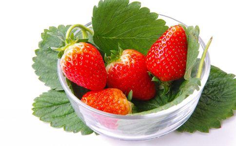春季吃什么水果抗衰老 春季吃草莓的好处 女人吃草莓有什么好处