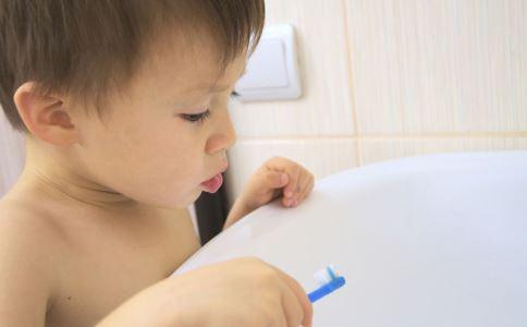 宝宝如何正确喝酸奶 宝宝喝酸奶注意事项 宝宝多大能够喝酸奶