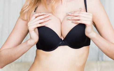 吃什么促进乳房发育 乳房发育不良怎么办 促进乳房发育的食物