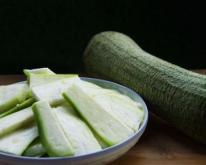 孕期食谱 蛋花丝瓜汤的做法 蛋花丝瓜汤