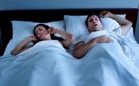 打呼噜是什么原因 打呼噜怎么治小妙招 打呼噜的治疗方法