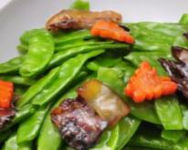 孕期食谱 杏鲍菇炒荷兰豆的做法 杏鲍菇炒荷兰豆