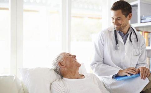 骨质疏松只补钙可以吗 骨质疏松的治疗方法 引起骨质疏松的常见疾病