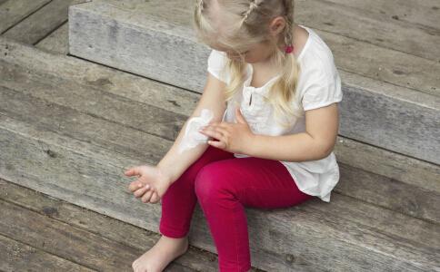 儿童骨折要怎么紧急处理 儿童骨折的护理方法有哪些 儿童骨折怎么护理