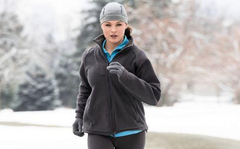 冬季如何健身 冬季不出门怎么健身 冬季怎样健身好