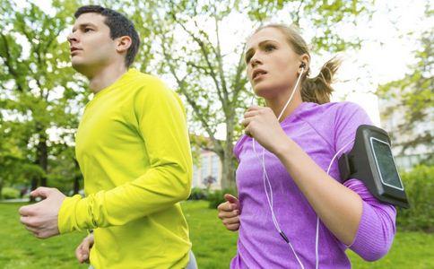 秋季健身有什么好处 秋季跑步有哪些好处 秋季跑步的好处有哪些