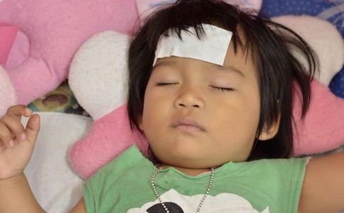 儿童发烧受哪些因素影响 宝宝发烧如何退烧 儿童发烧的原因