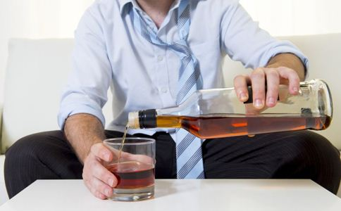 乙肝患者能喝酒吗 得了乙肝能喝酒吗 乙肝患者喝酒的危害