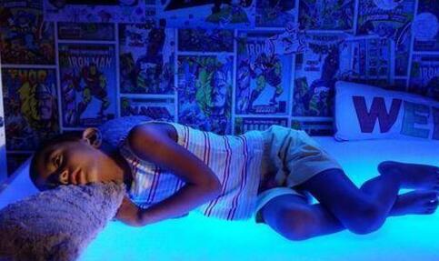 男孩每天要照蓝光 什么是克里格勒-纳贾尔综合征 什么是克里格勒-纳贾尔综合征的治疗
