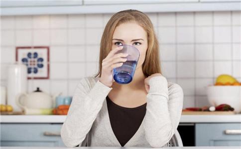 喝水特别提醒 10种人怎么喝水最健康